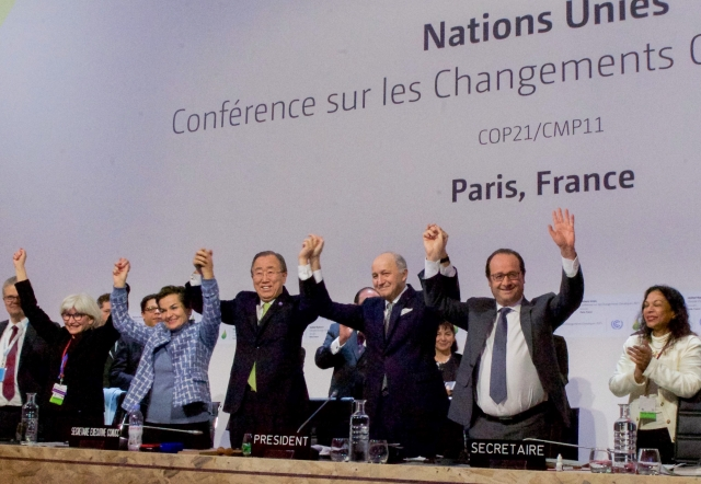 Paris_agreement_Dec2015