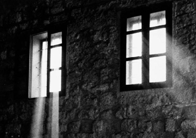 light_upon-the-gloom